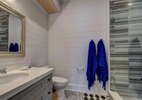 Rossclair Bathroom2